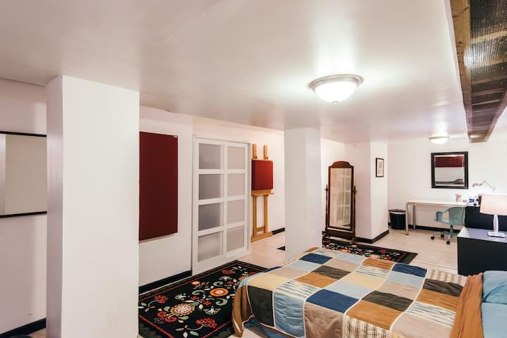 Artist/Musician Apartment, Bushwick