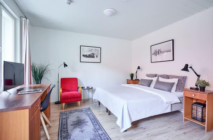 Double Room with an en-suite bathroom