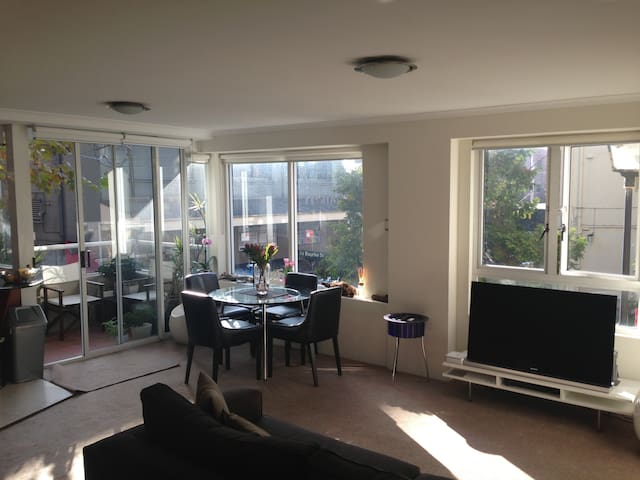 Taylor Square - Inner City Living - Surry Hills - Apartmen