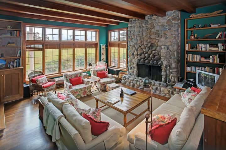 Ocean-view home w/private terrace/free WiFi/shared tennis courts- near beaches!