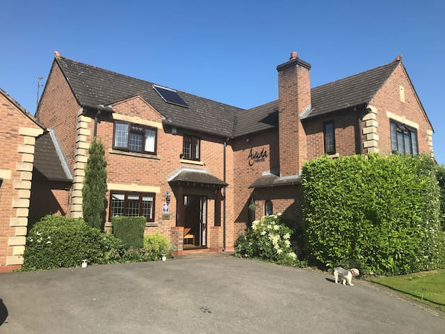 Luxury home in heart of Cheshire