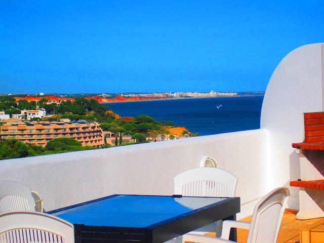 Two bedroom SwimmingPool Sea View OuraBeach STRIP - Albufeira - Byt