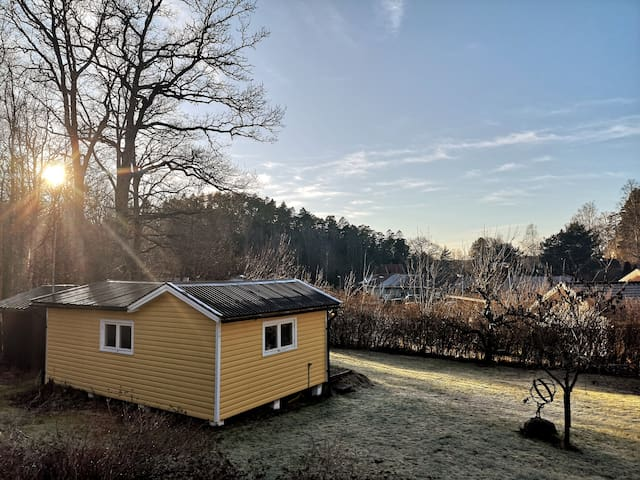 A cozy and sunny located guesthouse in Ljungskile