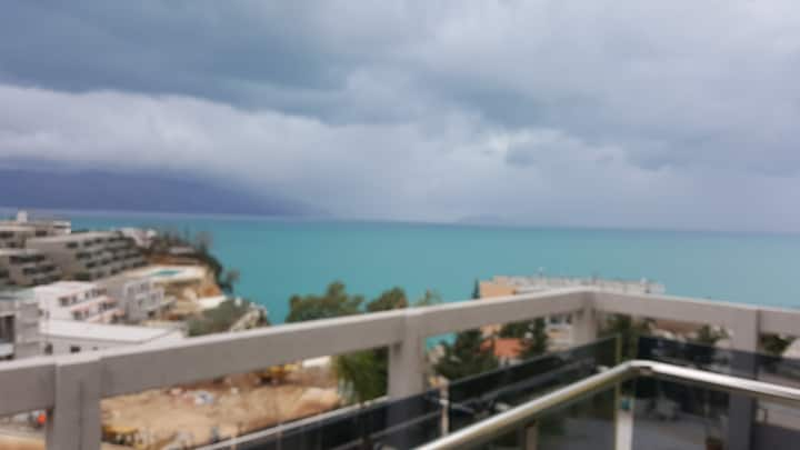 2 Bedroom Apartment with Stunning Ocean View