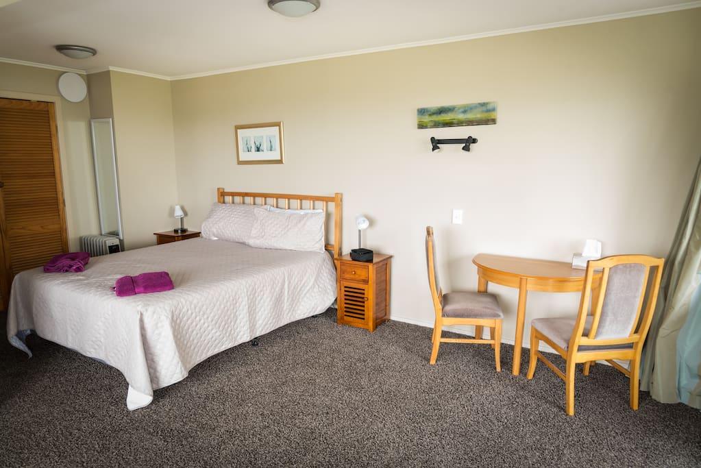 1 Bedroom B B Harbour Views Nagio Apartments For Rent In Wellington Wellington New Zealand