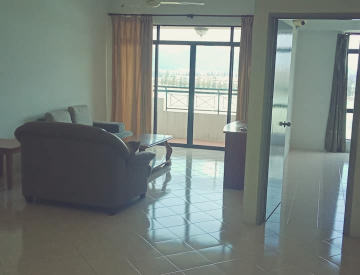 Cheerful Homestay @ Marina Cove