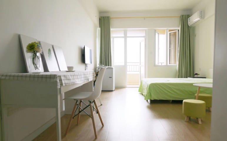 干净安全舒适的极简风安庆市区民宿