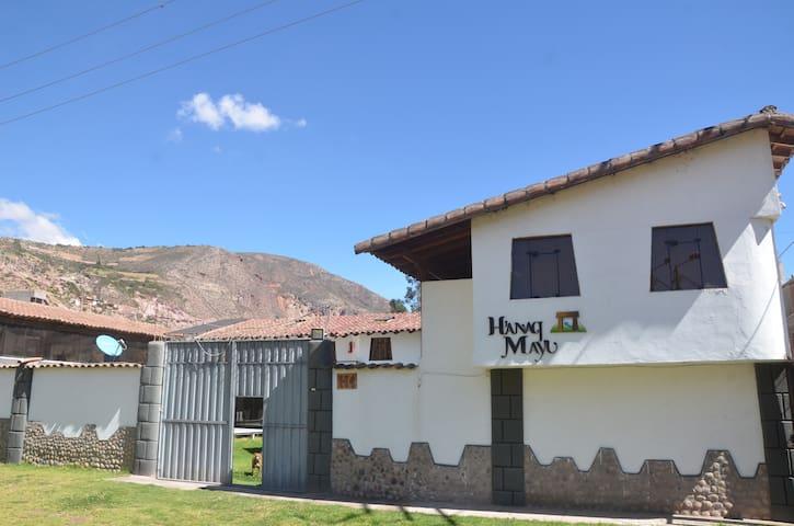 Hermosa Habitacion Triple (ensuite) en Urubamba