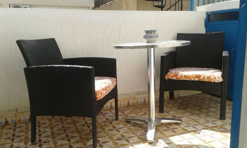 SUNNY ONE BED APARTMENT AND TERRACE IN QUIET AREA