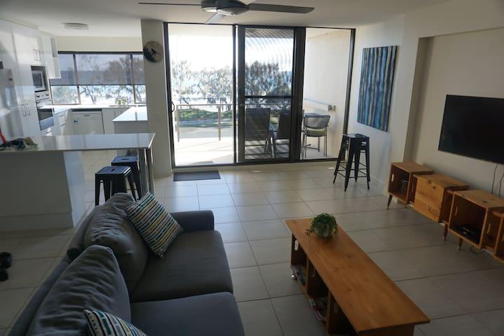SixHuntington - Alexandra Headland - Apartamento