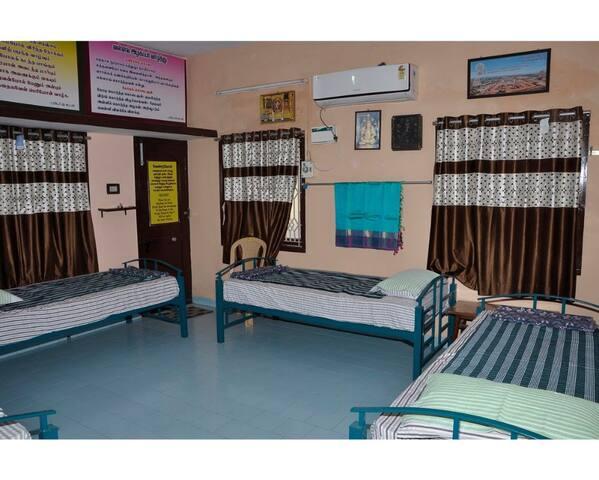 Superior Quadruple Room Homestay Senthil Akam
