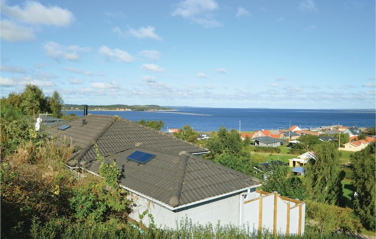 Holiday cottage with 3 bedrooms on 89m² in Farsø