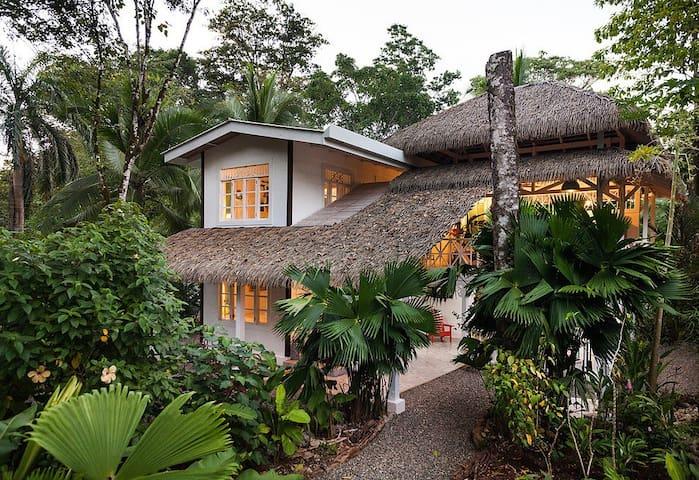 Enjoy Floralia House a Luxury Art Casita on Carribbean Coast