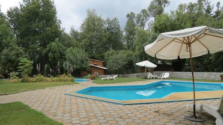 Hummingbird Hotel in Vilches Alto