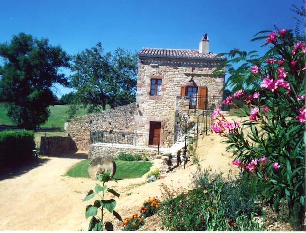GITE CORDES SUR CIEL ALBI - Tonnac - Casa