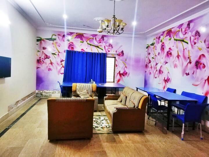 Grace Females only GuestHouse/Hostel/Dorm