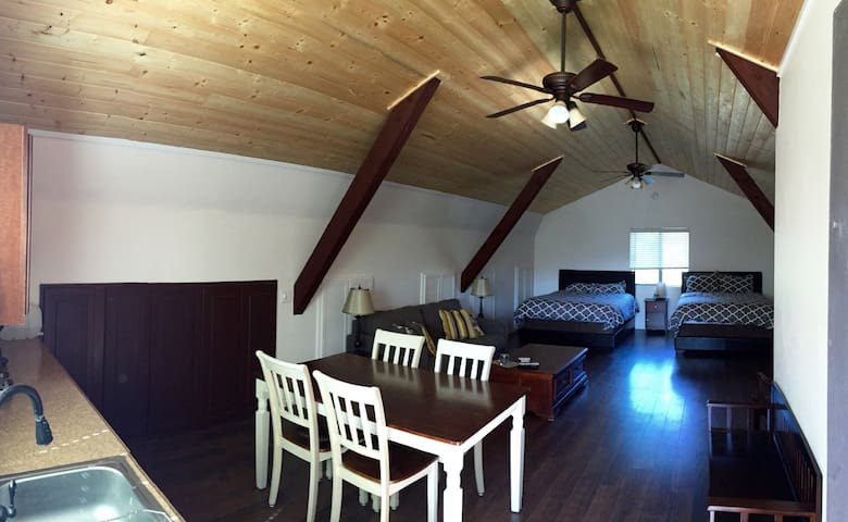 Wine Country Barn Loft - Newly Renovated - Philo