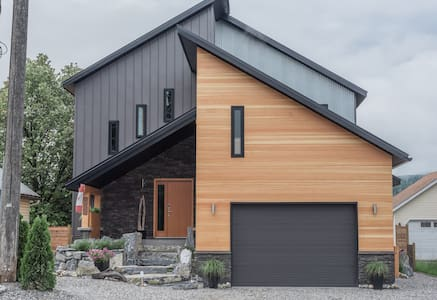 Modern comfy, convenient new build - Golden