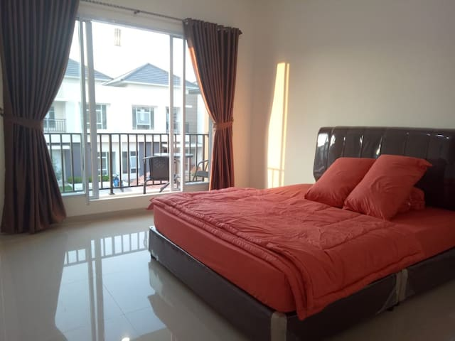 Wiwin House - 3 BedRoom, 6-8 pax - Free Pickup