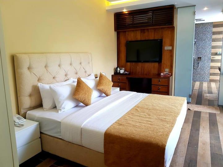 Balcony Suite -Bed & Breakfast