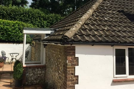 Cute FARM bungalow - Findon - Pis