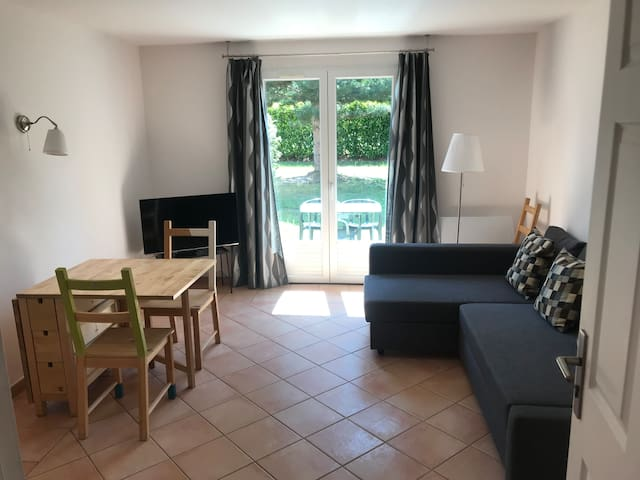 Quiet and handy Cottage for 1,2 or 3 pax + baby