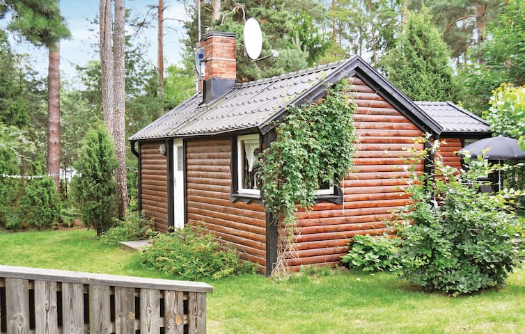 Holiday cottage with 1 bedroom on 30 m² in Mönsterås
