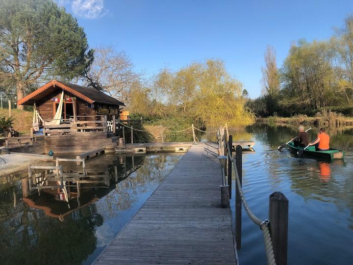La cabane sur le lac aux Temps des Sources