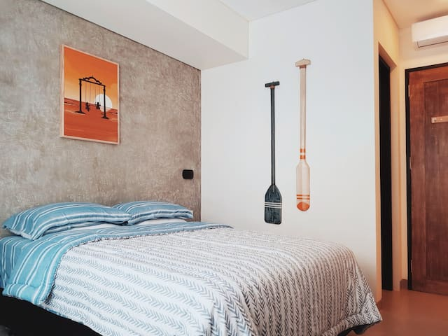 New Modern Comfy room in center of Berawa Canggu H