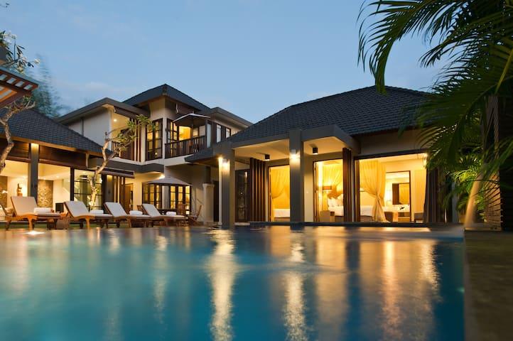 4 Bedroom Private Villas