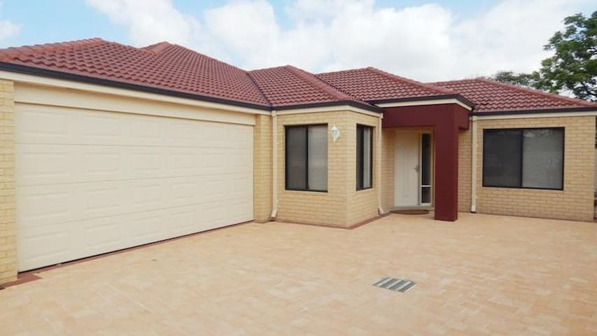 Redroof - Redcliffe - Casa