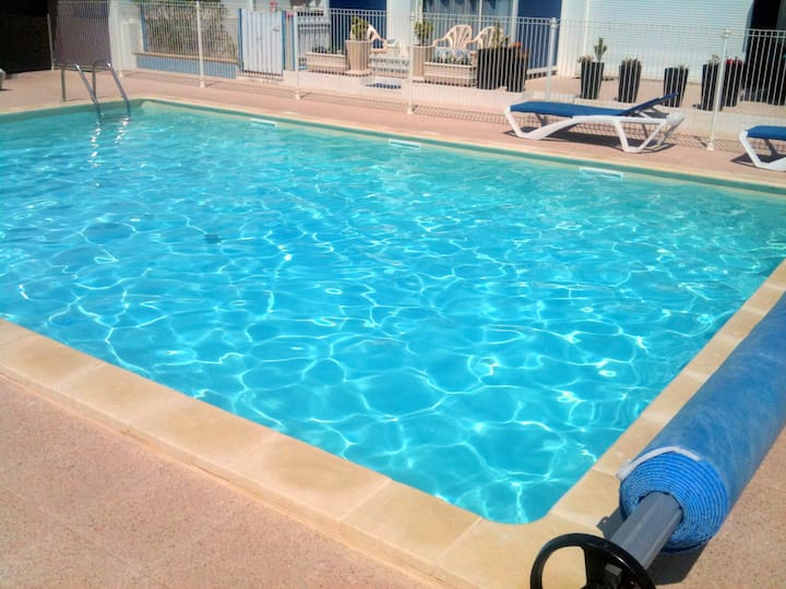 Super Vacances : Soleil, piscine, mer & farniente
