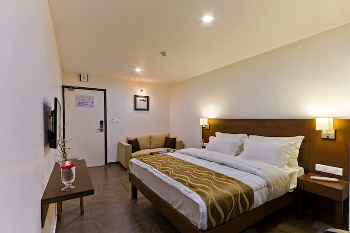 Hotel Casa, Vadodara