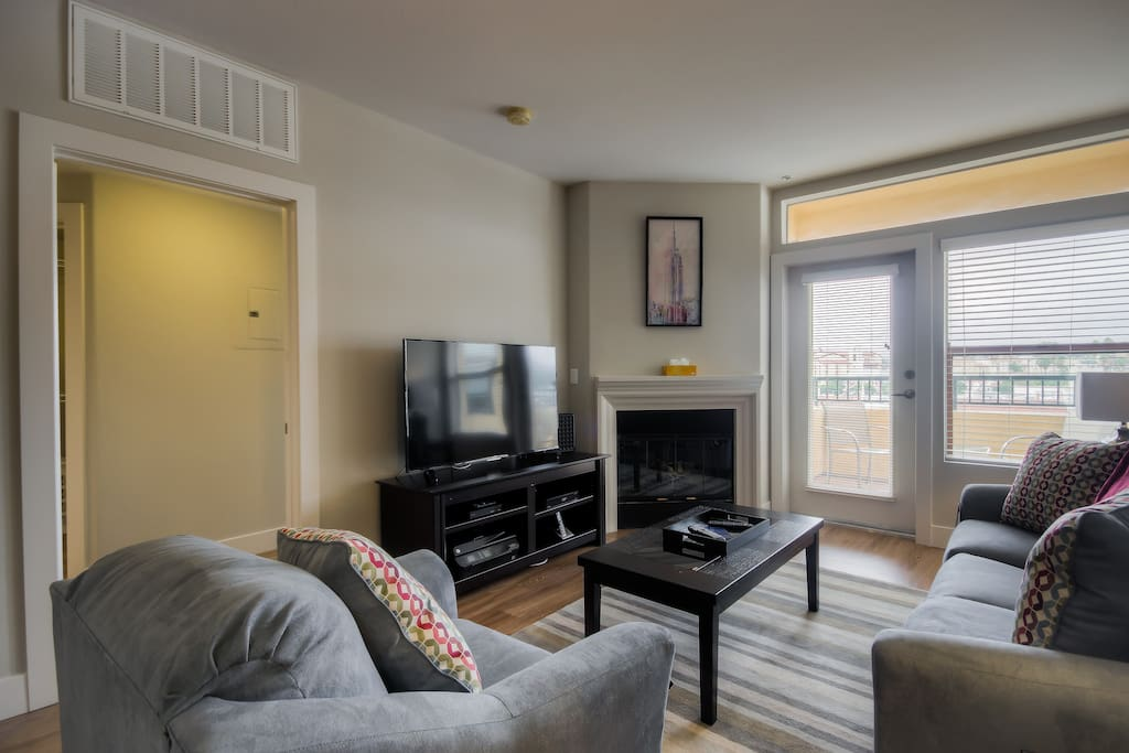 New 2 Bed Plus 2 Full Bath In Westwood Village Apartments For Rent In Los Angeles California