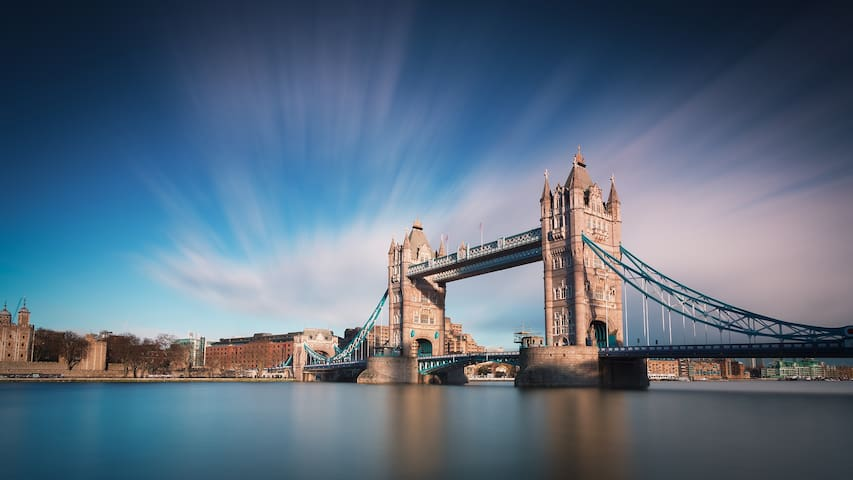 Huge Luxury Tower Bridge Apartment ★★★★★