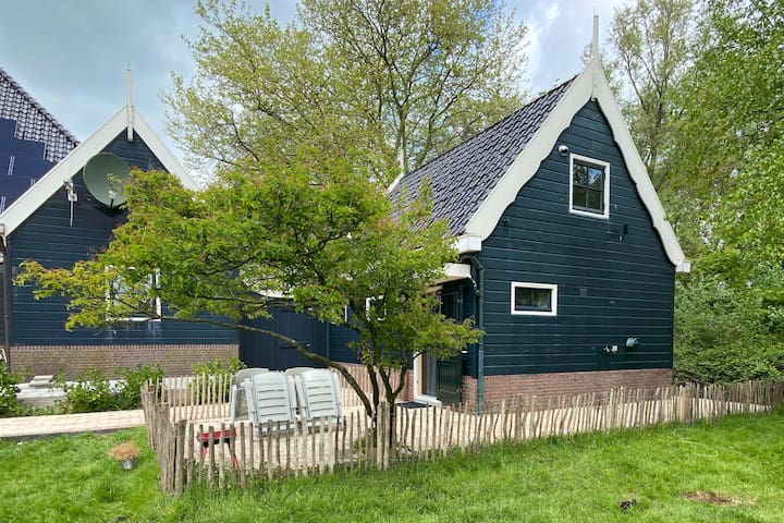 Amsterdam wetlands cottage with private terrace