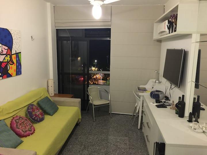 Flat 100% Mobiliado Área Nobre 2 Quadras da Praia