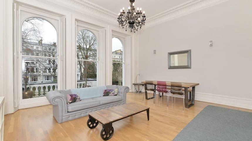 ~~Dazzling Kensington Apartment~~