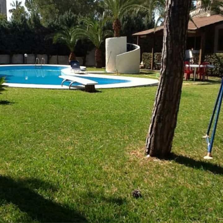 Bes beach villa con piscina