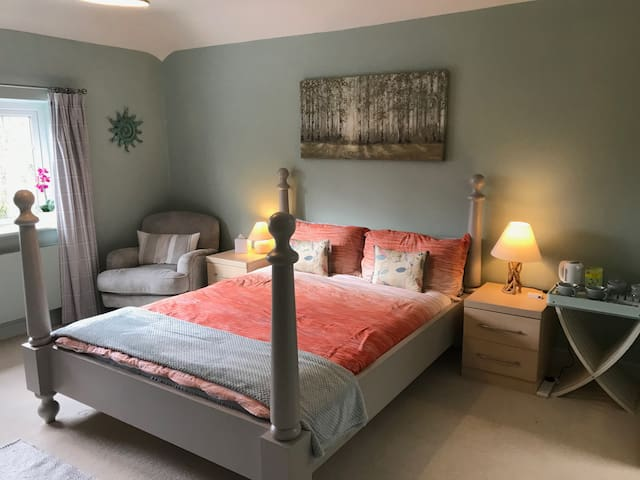 Beautiful Double Room with En Suite
