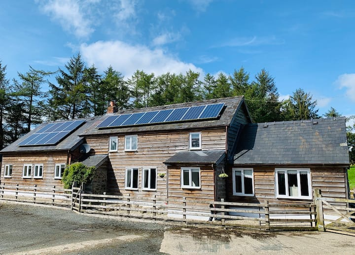Upper Sign Farmhouse, A Mid Wales Country Retreat!