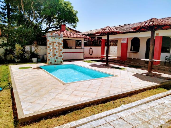 Casa temporada Meaípe com piscina e churrasqueira
