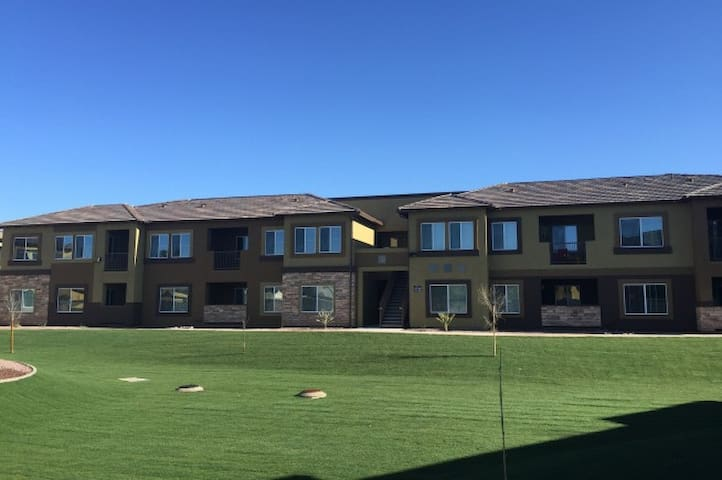 2 Bedroom Furnished Apartment- Spring Training - Peoria - Apartment