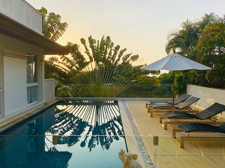 Gorgeous 4 bd Villa in Kata