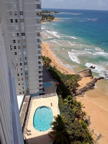 Raul and Milka's Beach Apartment