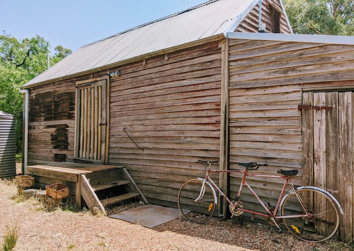 Bill's Shed at The Shiraz Republic