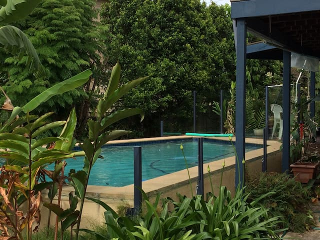 Caloundra Coastal self-contained apartment - Aroona - House