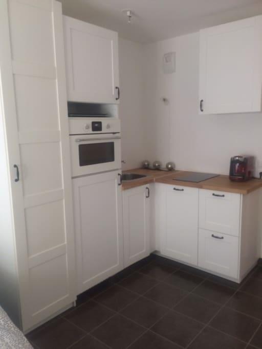 Espace cuisine/kitchen area