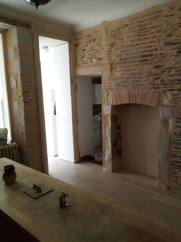 Chambre dans grande maison Angevine.