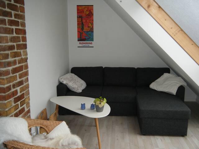 Hyggelig lille 1.sals lejlighed i Rudkøbing.